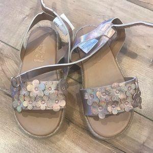 4/$25 Crazy 8 Girls Floral Sandals Sz 9 Rose Gold